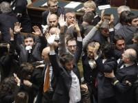 Il grillino Cappelletti: fascista (e immorale) è la maggioranza